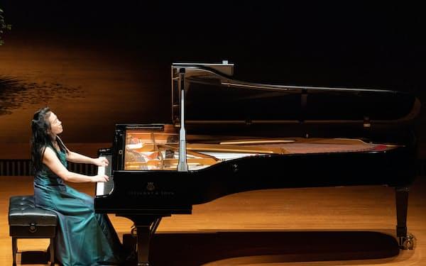 Bunkamuraオーチャードホールで行われた第5回公演ではピアノソナタ第31番を演奏した(c)堀田力丸