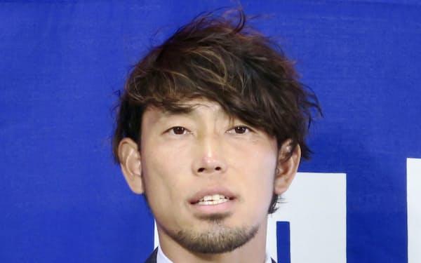 引退の記者会見をする中日の藤井淳志外野手(5日、バンテリンドーム)=共同
