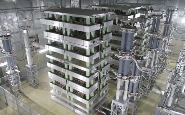 高圧直流送電を使って長距離間を効率よく送配電する