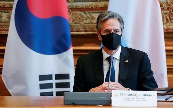 5日、パリで韓国外相と会談したブリンケン米国務長官=ロイター
