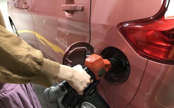 ガソリン価格の上昇が家計を圧迫しそうだ
