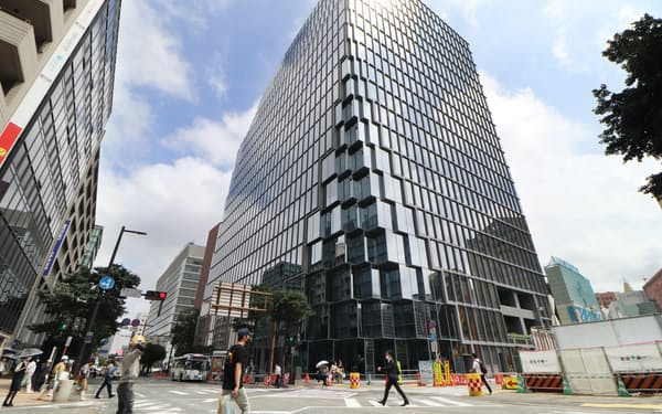9月末に完成した「天神ビジネスセンター」(福岡市)