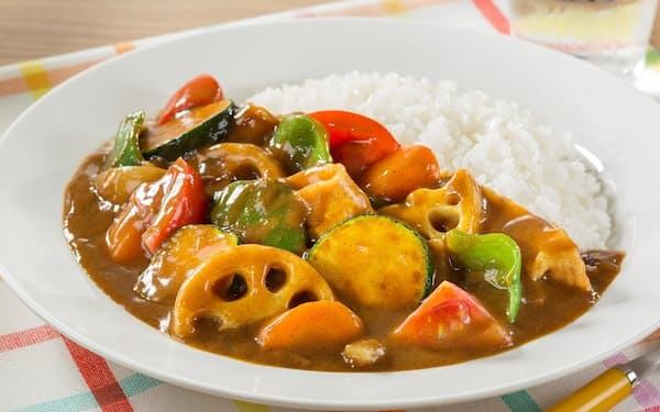 ハウス食品が提案するレンコン、ピーマン、ズッキーニを使ったカレー