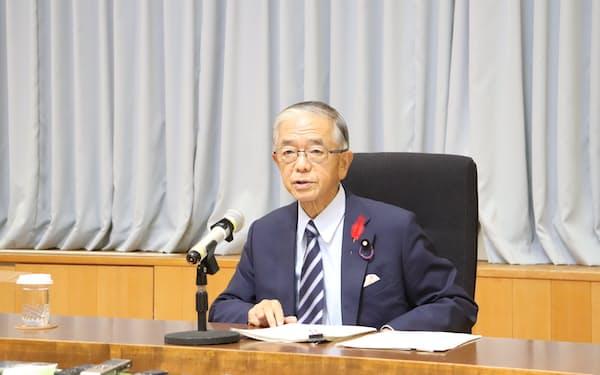 コメの需給対策について「早急に検討を進めたい」と述べた金子農相(6日、東京・霞が関)