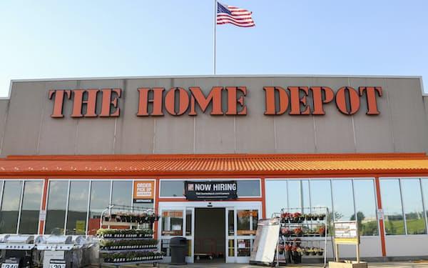 米ホーム・デポの商品はウォルマートのサービスで配送される(ペンシルベニア州の店舗)=AP