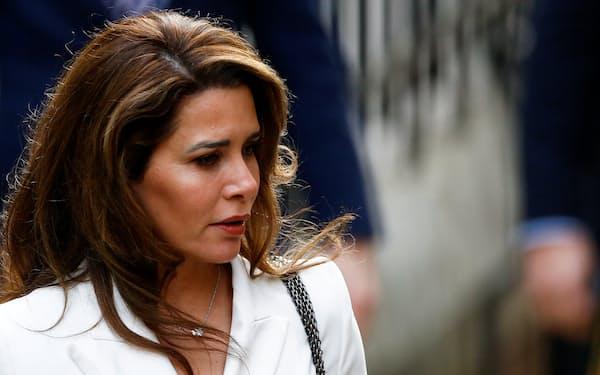 20年2月、2人の子の親権訴訟で英高等法院に姿をみせたムハンマド首長の妻ハヤ妃=ロイター