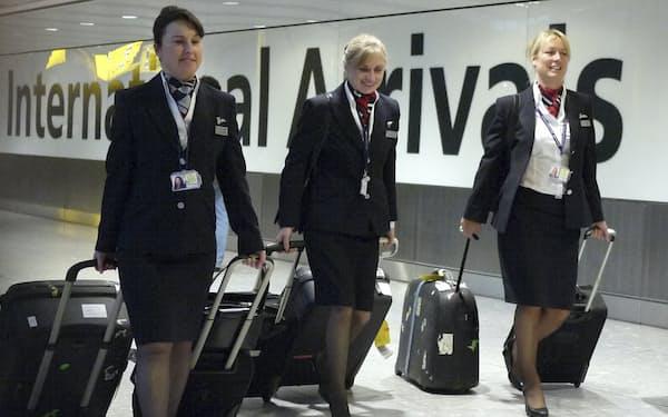 渡航制限の緩和によって、ブリティッシュ・エアウェイズなどの航空会社は運航便の増便に向けて動き出している=ロイター