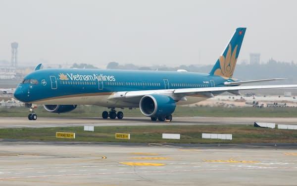 ベトナム航空は国内線の再開を準備している=ロイター