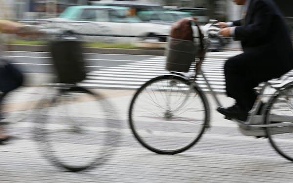 名古屋市内を走る自転車