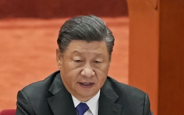 辛亥革命110周年記念大会で演説する中国の習近平国家主席=9日、北京の人民大会堂(共同)