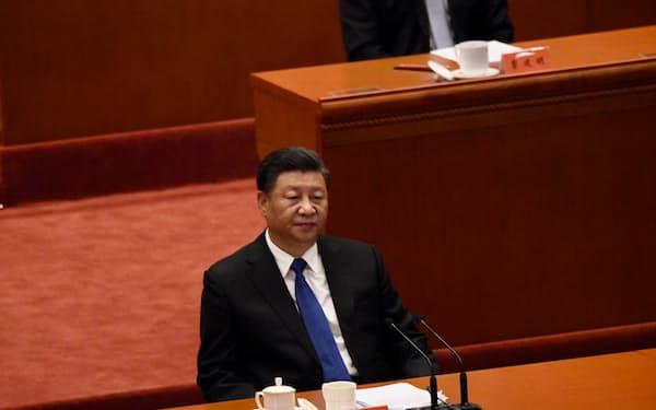 中国共産党の習近平指導部はインドとの係争地域でも火種を抱える(2021年10月9日、北京の人民大会堂)