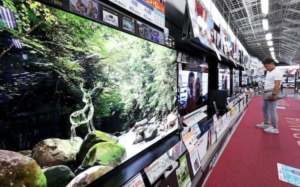 有機ELテレビは値ごろ感が広がりシェアを伸ばしている(都内の家電量販店)
