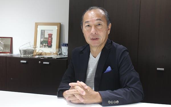 日本ソムリエ協会の田崎会長は日本ワインの課題も指摘する(7月上旬、都内)