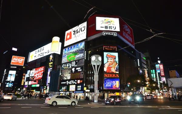 緊急事態宣言後、札幌の繁華街すすきのにもにぎわいが戻りつつある