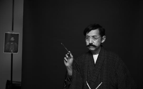 青木繁にふんした映像作品「ワタシガタリの神話」より(2021年、作家蔵)