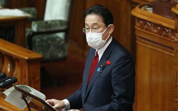 参院本会議で公明・山口代表の質問に答える岸田首相(13日午前)