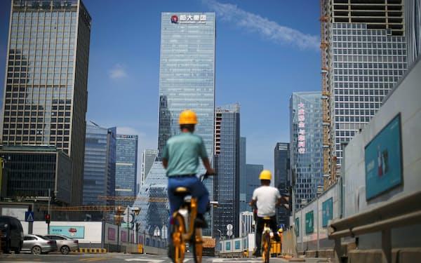 中国恒大以外にもデフォルト懸念が広がっている(恒大の本社)=ロイター