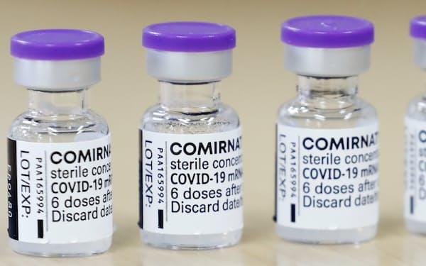 厚労省は1回目にモデルナ製ワクチンを接種した10、20代の男性に対し2回目はファイザー製を推奨する検討に入った