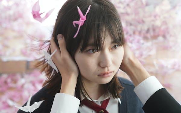 東京・新宿の新宿ピカデリーほかで22日公開 ©綿矢りさ・新潮社/「ひらいて」製作委員会