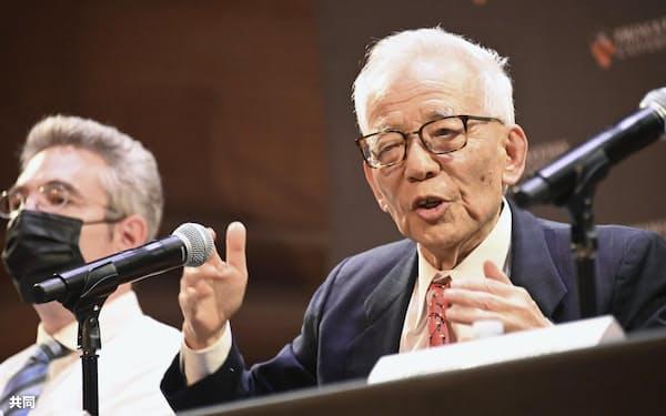 ノーベル物理学賞の受賞が決まり、記者会見する米プリンストン大上席研究員の真鍋淑郎さん(5日、米ニュージャージー州)=共同