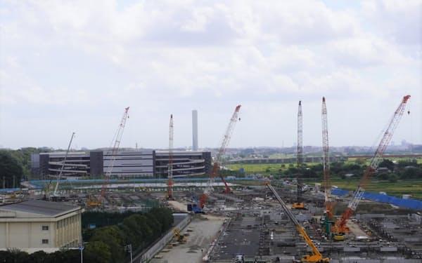 常磐自動車道流山インターチェンジ周辺では日本GLPなどによる巨大物流施設の開発が続いている