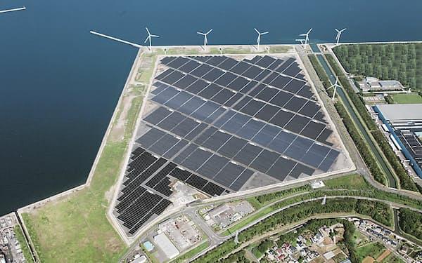 東芝やソニーなど50社はCO2の排出量データを共有する(東芝の太陽光発電所)