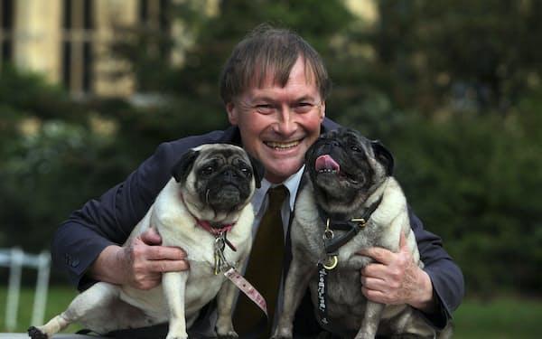何者かに刺殺された英保守党のアメス下院議員は動物愛護家としても有名だった(2013年、ロンドン)=AP