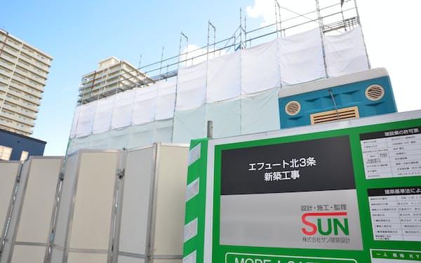 北ガスは社有地で賃貸事業の第1号物件を建設中だ(17日、札幌市)