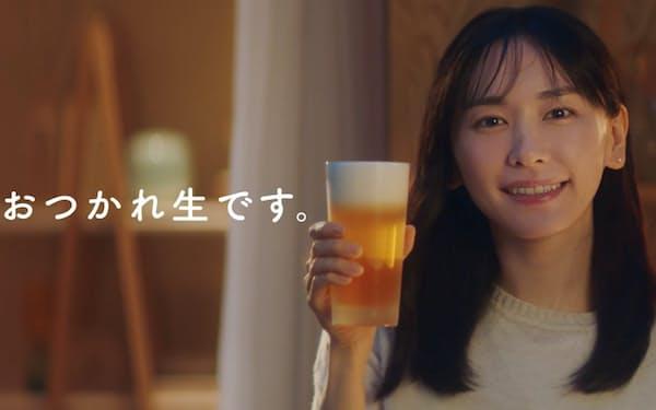 アサヒ生ビールのCMには新垣結衣さんを起用。「男らしい」スーパードライとのギャップを出した