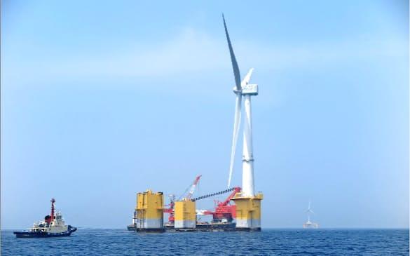 撤去が決まった巨大風力発電機(福島県沖)