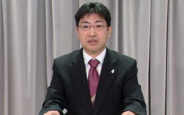 最終報告書の内容について説明する特別委座長の宍戸常寿・東大教授(18日)