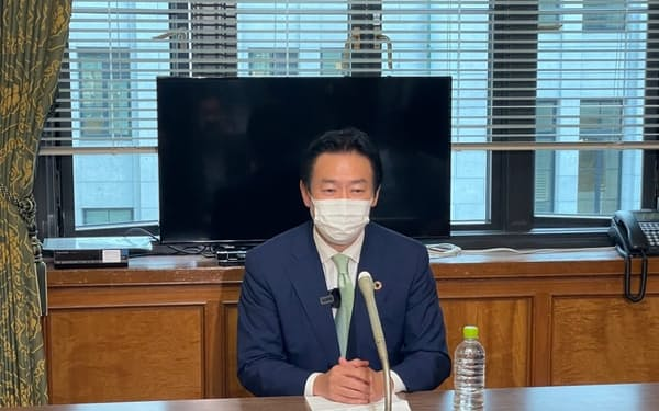 次期衆院選への不出馬を表明した前衆院議員の秋元司被告(18日、国会内)