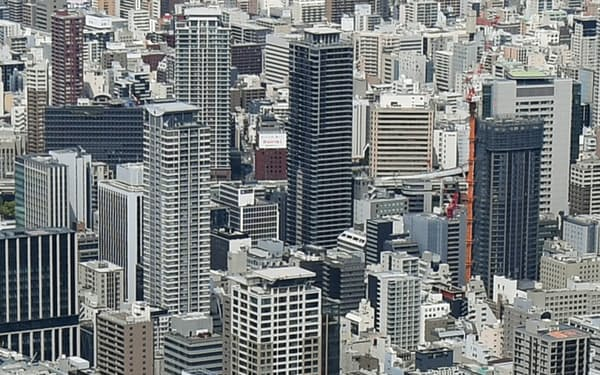 タワーマンションなどが林立する大阪市内