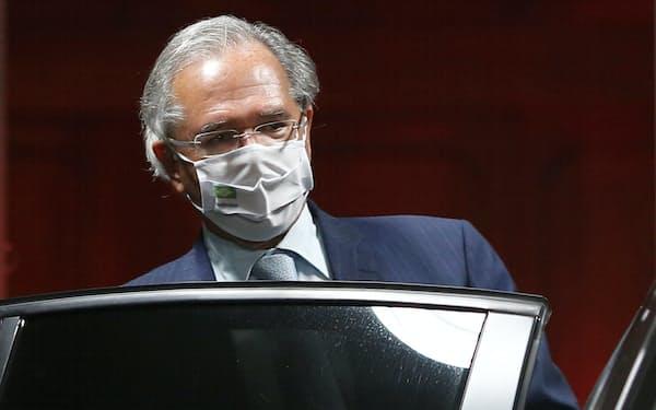ブラジルのゲジス経済相はメルコスルの改革を進めたい考えだ(5日、ブラジリア)=ロイター