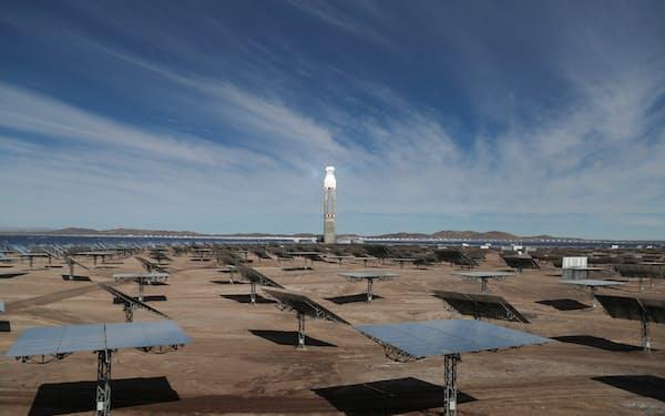 中南米諸国では再生可能エネルギーなどへの資金拠出が期待されている=ロイター