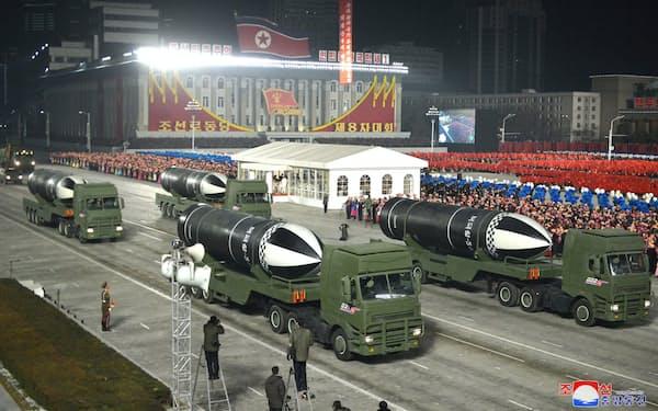 北朝鮮が今年1月の軍事パレードで公開したSLBM「北極星5」=朝鮮通信