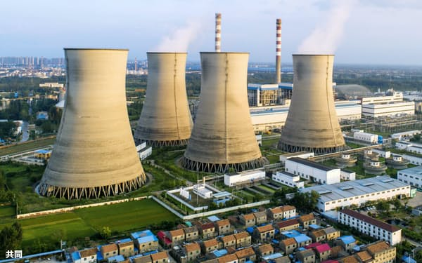 中国江蘇省にある石炭火力発電所=CFOTO・共同