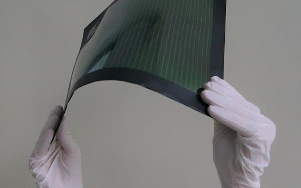東芝のフィルム型太陽電池は経産大臣賞を受賞した