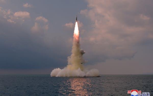 北朝鮮が19日に発射したSLBM=朝鮮中央通信・ロイター