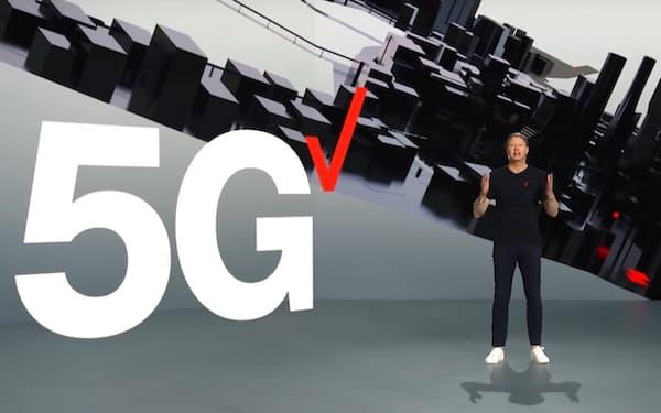 米通信大手も5Gへの投資を拡大している(1月のCESで基調講演したベライゾン・コミュニケーションズのハンス・ベストベリCEO)