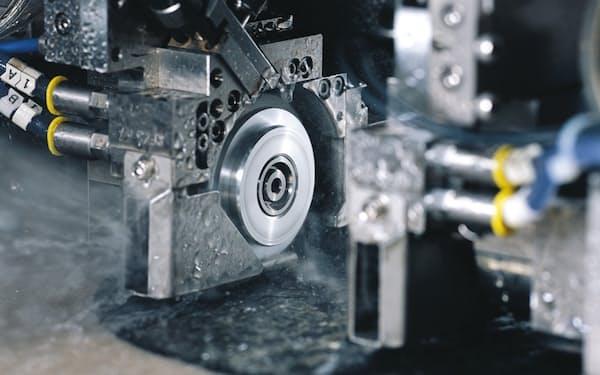 半導体不足を背景に加工装置が伸びている(ディスコのR&Dセンター内)
