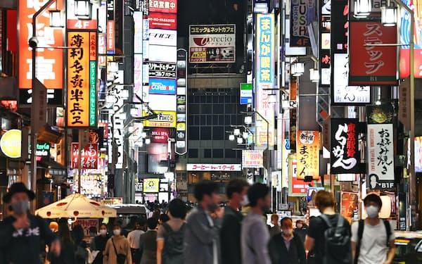 「第6波」への懸念から需要回復が鈍く、通常営業を見送る外食企業が相次ぐ(東京・新宿)