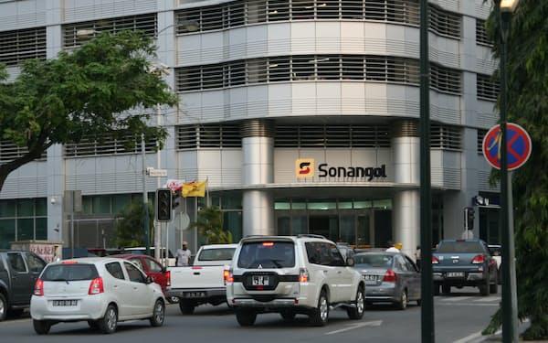 ダベス・デソウザ財務相は、国営石油会社ソナンゴルの資産売却やIPOにも言及した=ロイター