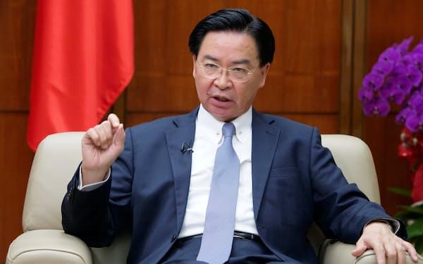 台湾の呉釗燮・外交部長(外相)が欧州を歴訪し、関係強化を図る狙いだ=ロイター
