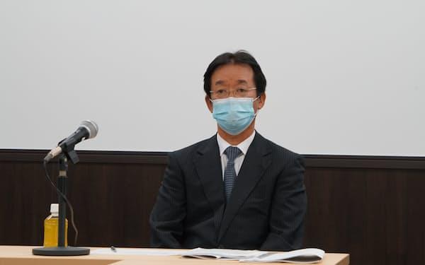 記者会見する日本ジェネリック製薬協会の沢井光郎会長