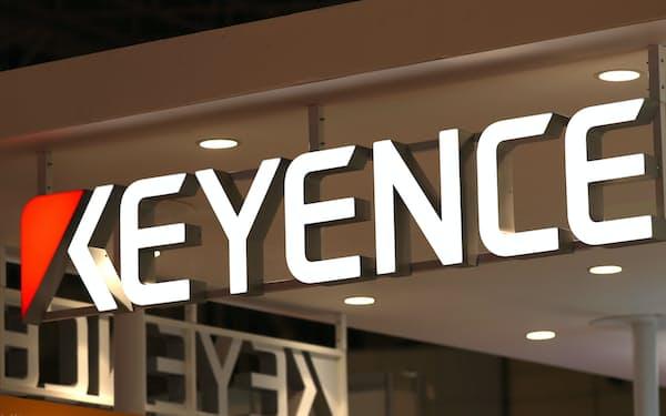キーエンスは工場で使うセンサーや制御機器、研究用の顕微鏡などを手がける