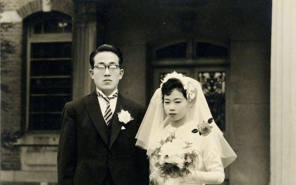 1958年、朝子との結婚式で