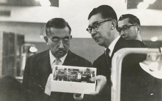 天皇陛下、ソニー工場をご見学(37年3月)