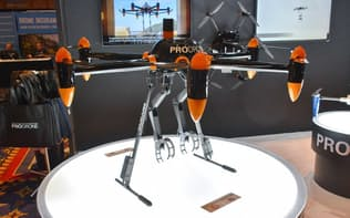 名古屋に本社を持つプロドローンが「ロボットアーム付きドローン」を展示して注目を集めた