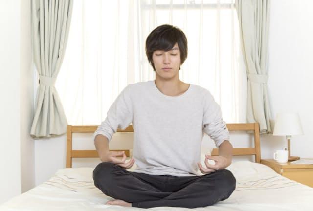 マインドフルネスは、集中力を高めるだけでなく、人間関係のストレス軽減、睡眠の質改善、ダイエットまで、様々な効果が期待できるといわれている=PIXTA